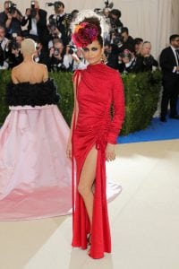 even-thandie-newton-couldnt-pull-off-this-one-sleeve-dress