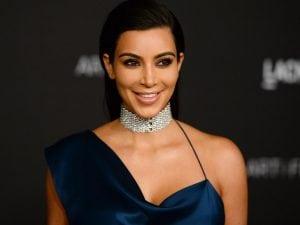 kim-kardashian-8b12194250ba930485f40c0d56b0176b5f26440d-s900-c85